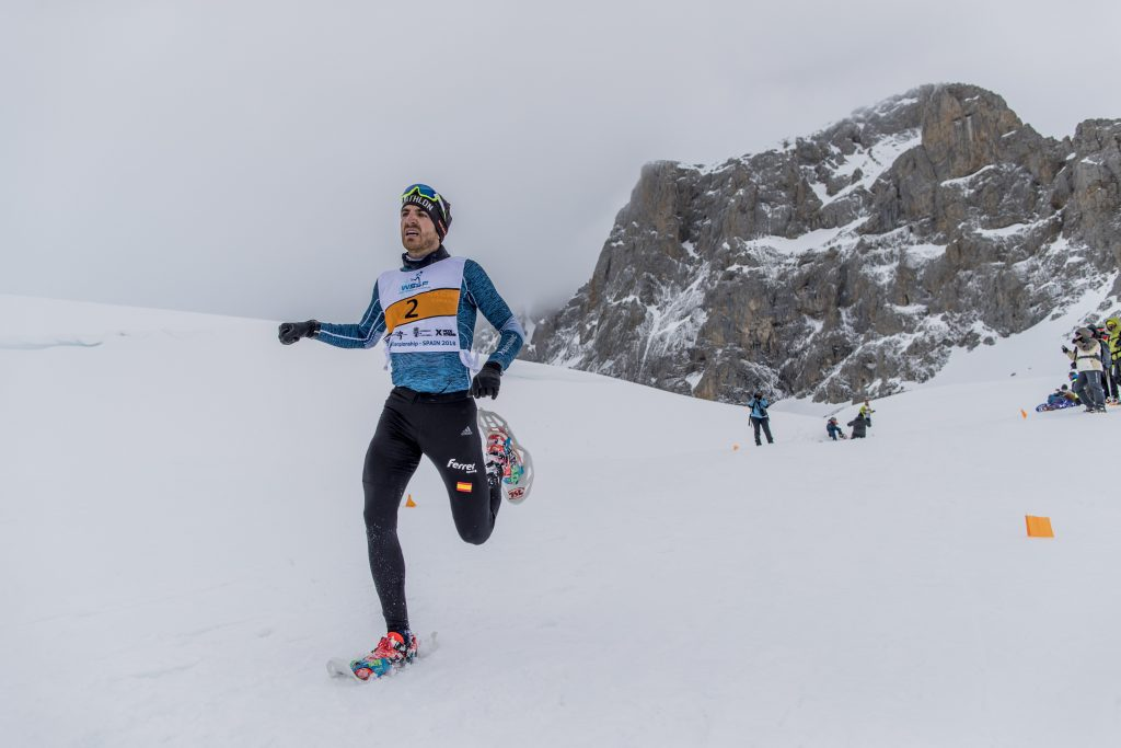 DAVID S. BUSTAMANTE 03/03/2018 FUENTE DE/ CANTABRIA Carrera WSSF y Junior del Mundial de Raquetas de Nieve en Fuente De dentro de los Picos de Europa