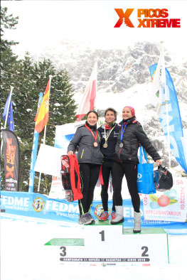 podio-veterano-femenino-picos-snow-running